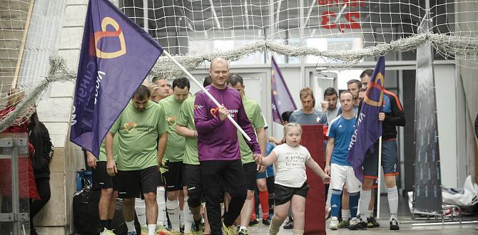 Ведущие мировые компании сразились на благотворительном футбольном турнире в поддержку людей с синдромом Дауна